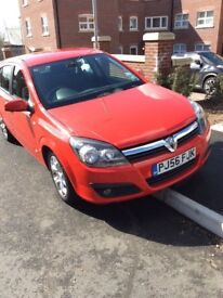 1.4 engine, petrol, red Vauxhall Astra for sale!