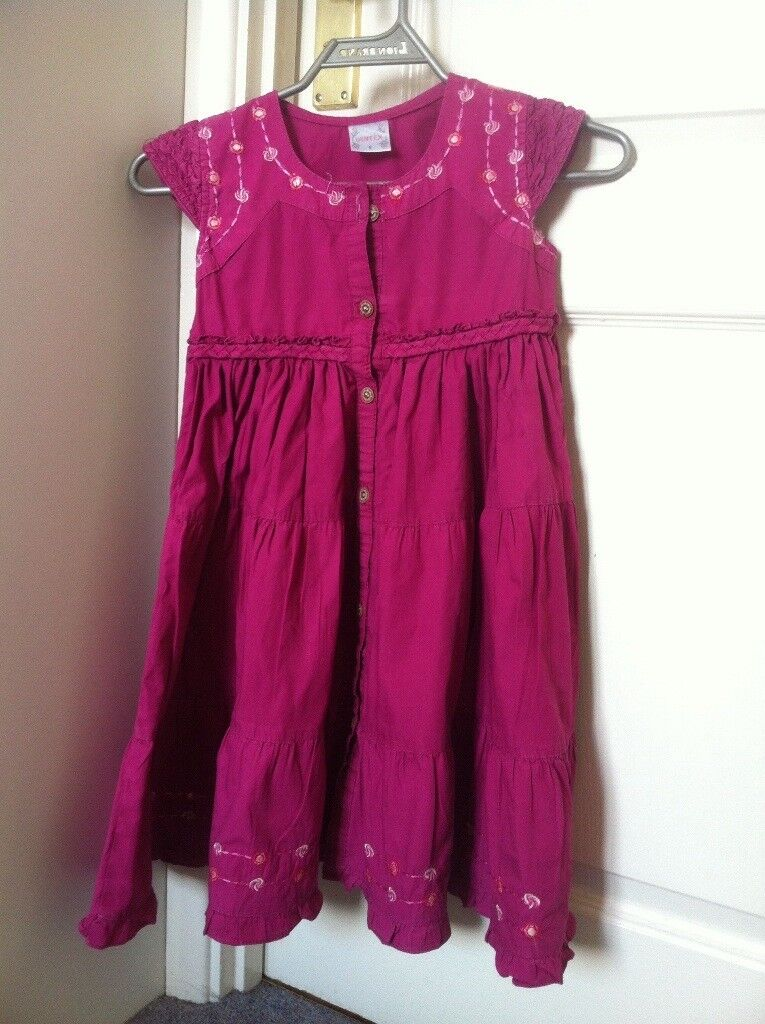 Gril's clothes