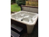 Roma 6 seater Hot tub, steps and Chemicals worth around £200