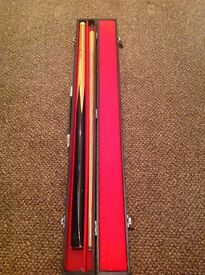Signed snooker cue - signed by Tony Knowles