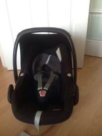 Maxi Cosi Black Pebble Car Seat