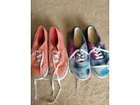 VANS SIZE 5 (2 pairs)