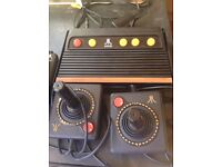 Atari Flashback 3, two controllers and separate controller.