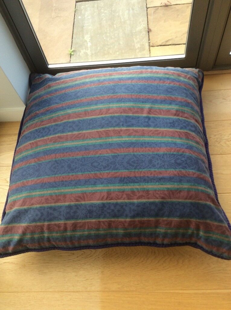 2 big free floor cushions in good condition