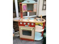Lovely little wooden toy kitchen - BARGAIN