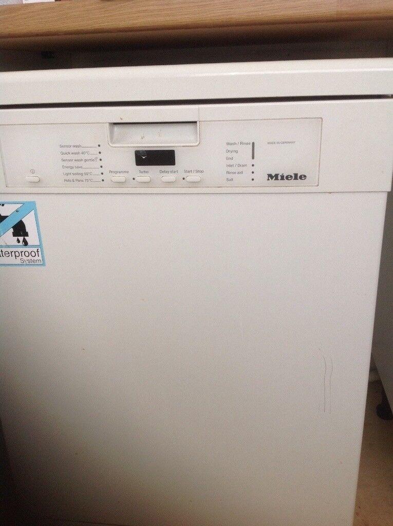 Miele full size dishwasher- G5100 SC