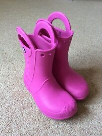 Crocs Girls bright pink handle wellies