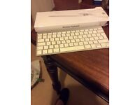 Apple wireless keyboard in full working order.