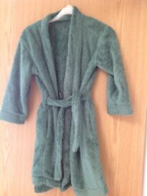 Gorgeous boys green dressing gown 5-6 immaculate