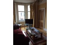 Double room with own bathroom in furnished Morningside flat
