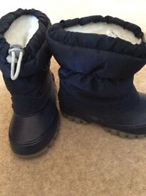 Child's Size 8 Russell & Bromley winter insulated boots