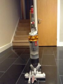 Dyson DC018 Slimline All Floors Cleaner for Spares or Repairs.
