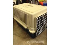 Pet carrier large cat / small dog basket. Collect from Farnsfield