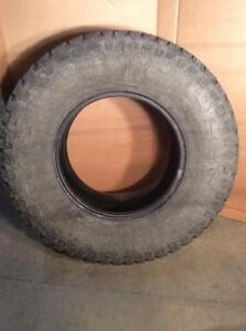 TWO LT315/70R17 121/118Q KUMHO ROAD VENTURE AT TIRES