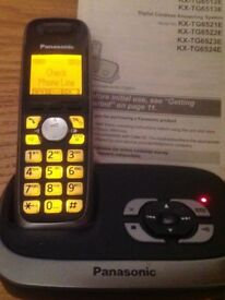 Panasonic digital cordless answering system Kx-TG6521E