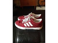 Adidas Trainers Size 9 (burgundy)
