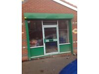 Shop / office to let in a popular area