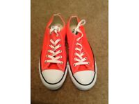 NEW Ladies UK6 Converse All stars in pink