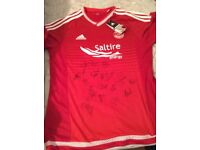 Aberdeen signed tshirt