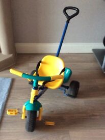 Sturdy Tri-ang extendable tricycle with removable parent handle