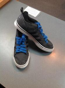 Adidas skater shoes -men's 9- blue/black (sku: Z15173)