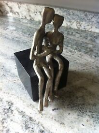 Silver Effect Kissing Couple Ornament