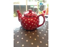Red and white spotty tea pot