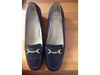 NEW WOMEN CHOES SIZE 6