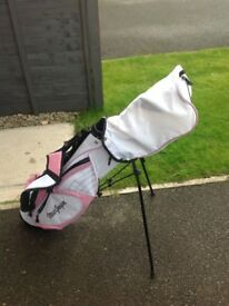 Kids golf club set including bag and trolley