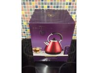 Clasdic Red Kettle New