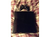 Xbox 360/ wired controller + games !