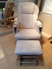 Nursery Rocking Chair with side pockets and rocking stool in light wood with light beige cushions