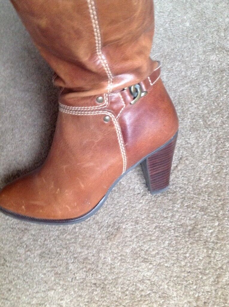 Real Leather Brown Boots. Knee high. Size 3. New never worn.