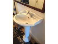 Victorian style basin and pedestal