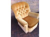 Fantabulous Buttonback armchair in super condition/bedroom/reception/lounge (cushion same colour !!)