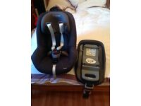 Isofix Maxi Cosi Pearl child seat and isofix base