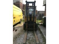 Caterpillar Forklift Truck Diesel Drives Very Well