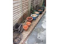 Selection of Glazed/terracotta garden planters/pots/hanging baskets