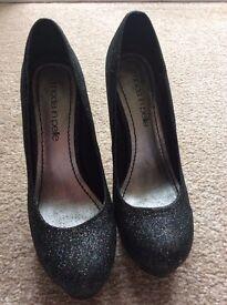 Moda in Pelle Shoes Size 5
