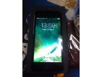 iphone 5 black & slate 16GB open to all network excellent condition
