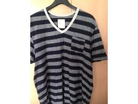 MENS V-NECK STRIPED T-SHIRT