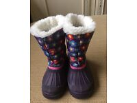 Jojo Maman Bebe snow boots. Size 23.