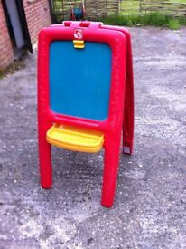 chalk board / art easel freestanding easy to use