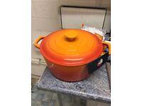 Cast iron 5 litre casserole pot