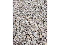 20 mm Cotswold garden and driveway chips/ stones/ gravel