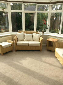 Conservatory Furniture 5 piece suite. Rattan. Excellent Condition