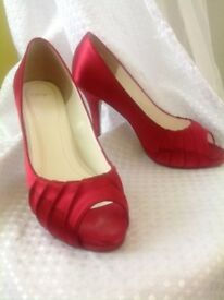Else Chianti satin shoes