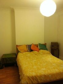 Double room available in friendly houseshare just off St Mark's Road