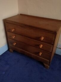 3 drawer chest.