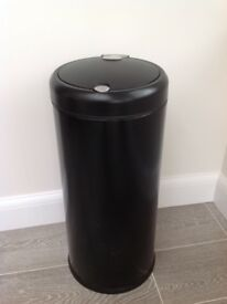 Simple human black bin 30 litres